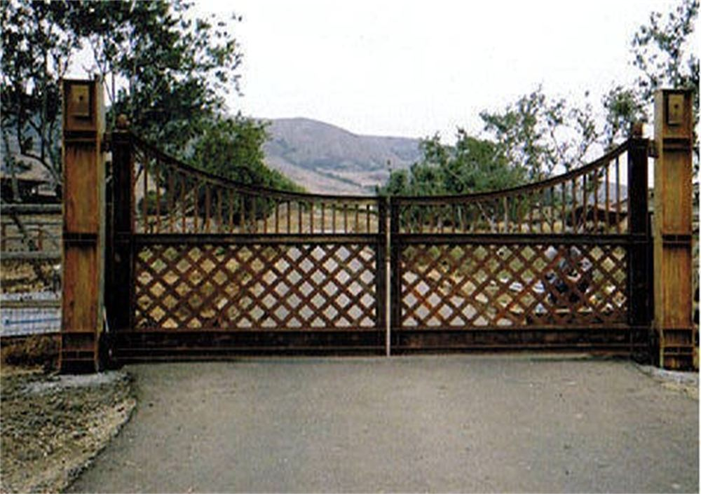 Robinson's Ornamental Iron Works - Home
